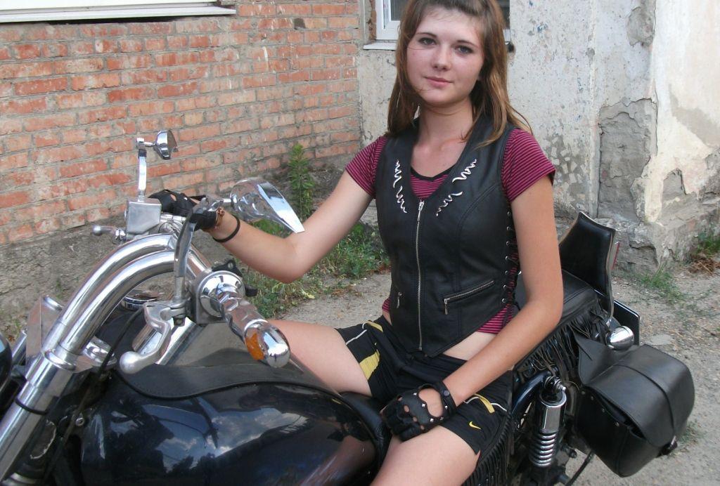 Женщины и мужчины-байкеры